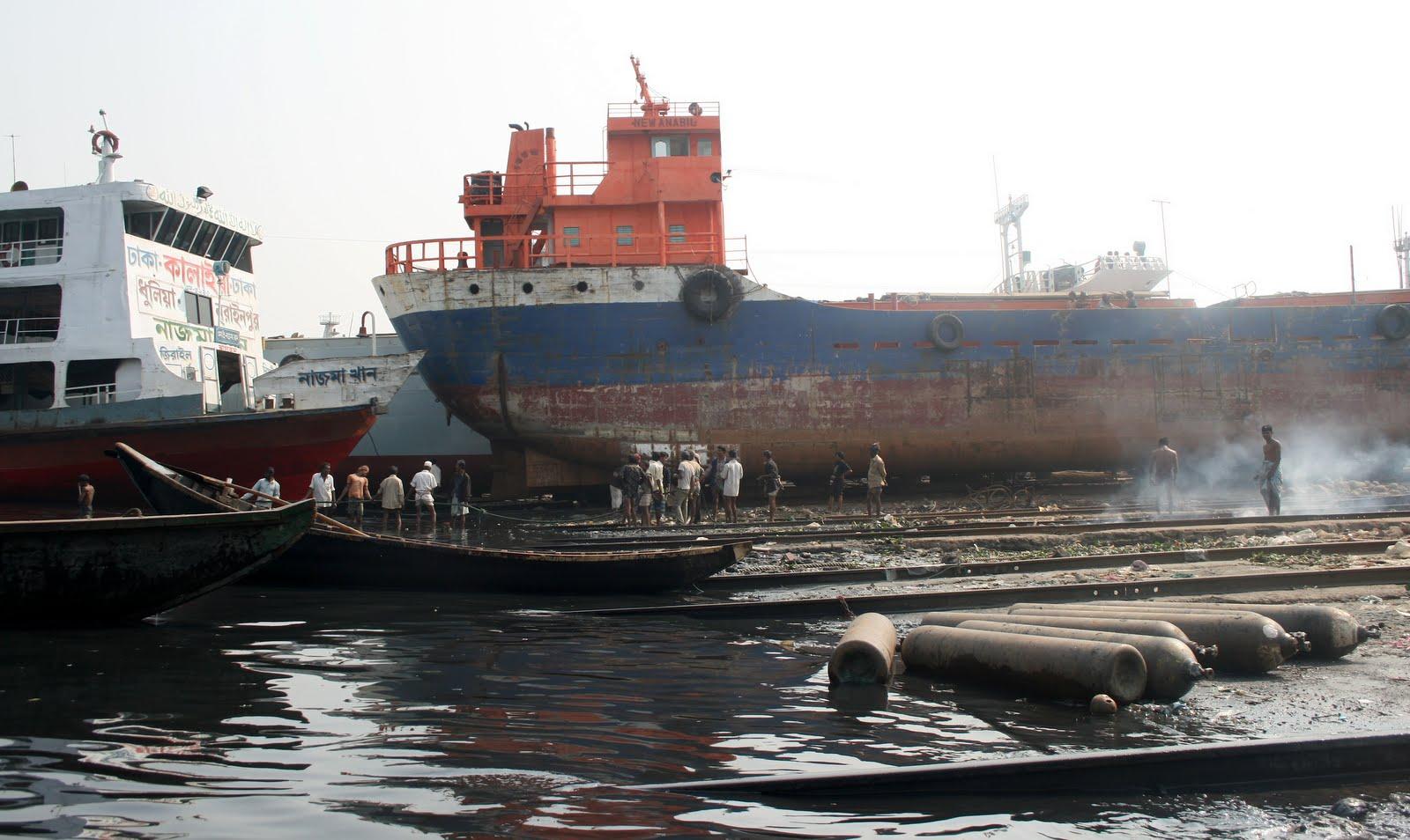 Skeppsbyggnad och renovering i Dhaka, Bangladesh.