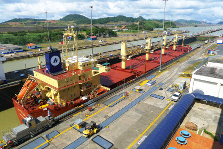 Panama-canal-25