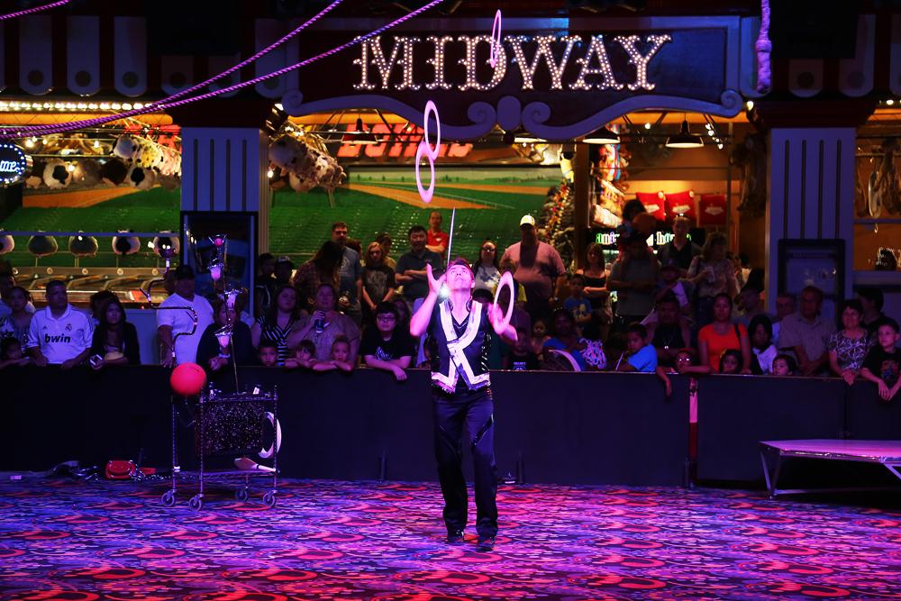 15-minutersunderhållning av klassiskt snitt på Circus Circus.