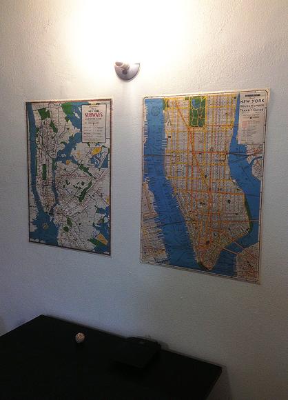 FÖRE: New York-planscherna som suttit över matbordet sedan juni 2014.