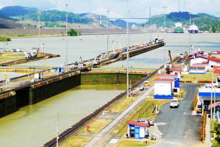 Panama-canal-23