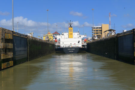 Panama-canal-39