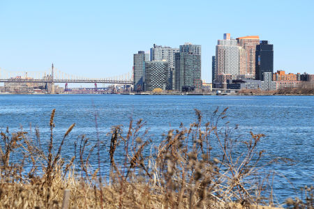 queens-eastriver-1