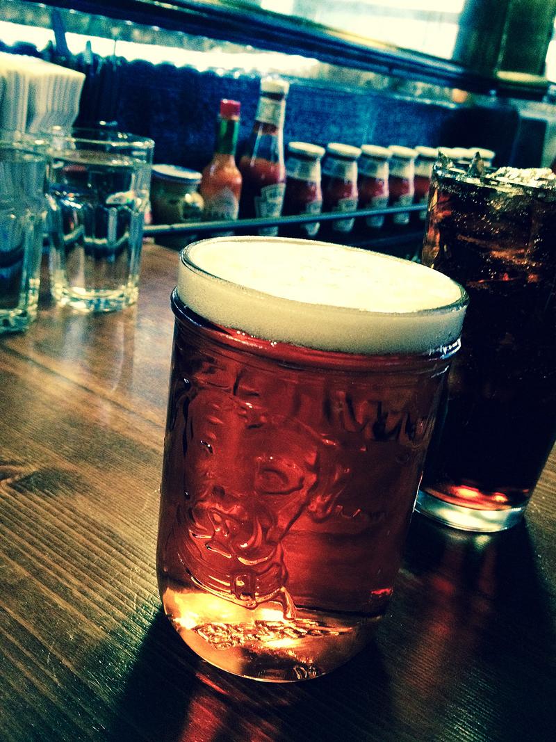 Öl är ett av Black Irons starka kort.