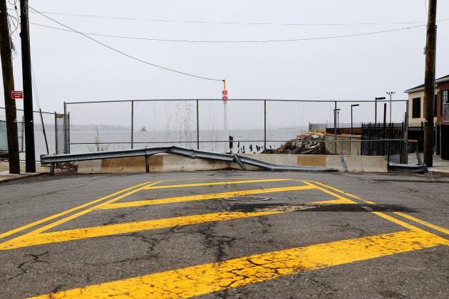 Här tar City Island slut: ett stopplyse markerar änden på City Island Avenue.