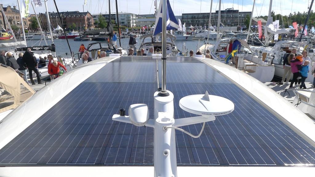 Solceller täcker hela taket på Greenline.
