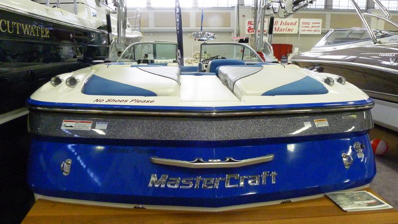 Master Craft marknadsför sig som en båt för wakeboarding och vattenskidåkning.