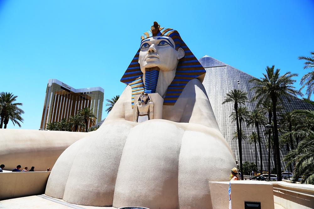 Entrén till Luxor, det egyptiska hotellet.